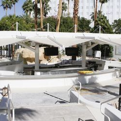 Tenting will keep outdoor diners out of the sun.