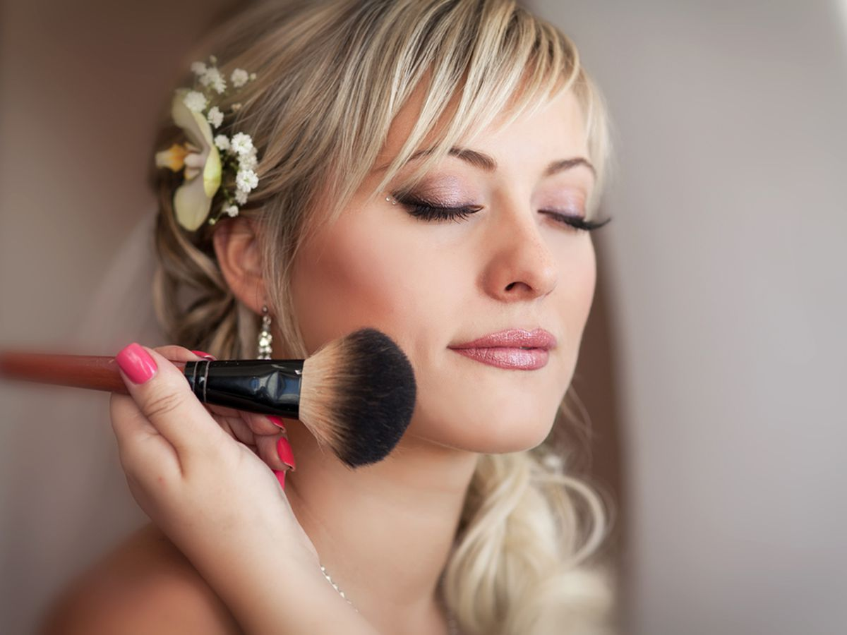 Where to Get Free (With Purchase) Makeup on Your Wedding Day
