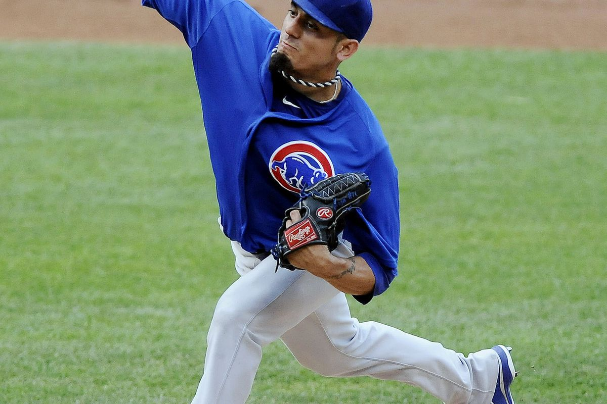 July 21, 2012; St. Louis, MO. USA; Chicago Cubs starting pitcher Matt Garza (22) throws to a St. Louis Cardinals batter in the first inning at Busch Stadium. Mandatory Credit: Jeff Curry-US PRESSWIRE