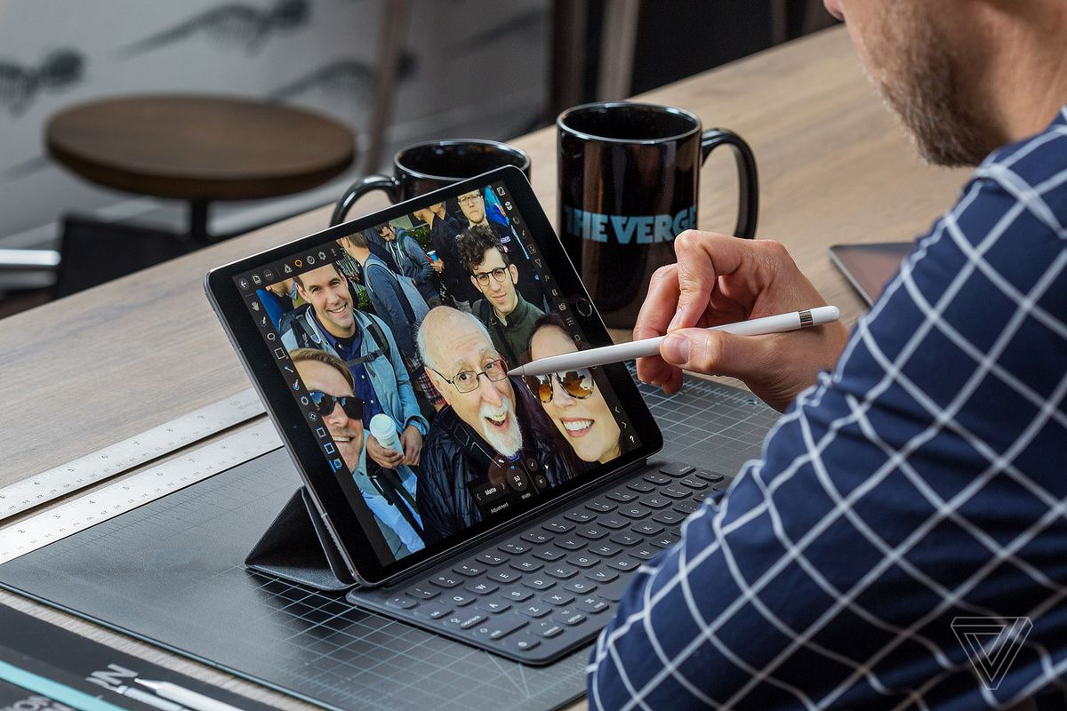 Ipad Pro 105 Review Overkill The Verge 512gb New Tablet Silver Wifi Only There Are Some Important Variables In That Equation But Before I Want To Explain Why This Is Such A Nice Thing