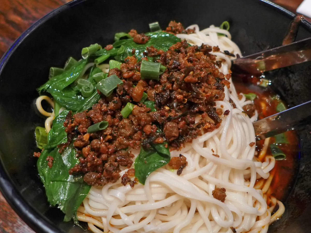 Noodles with meat sauce.