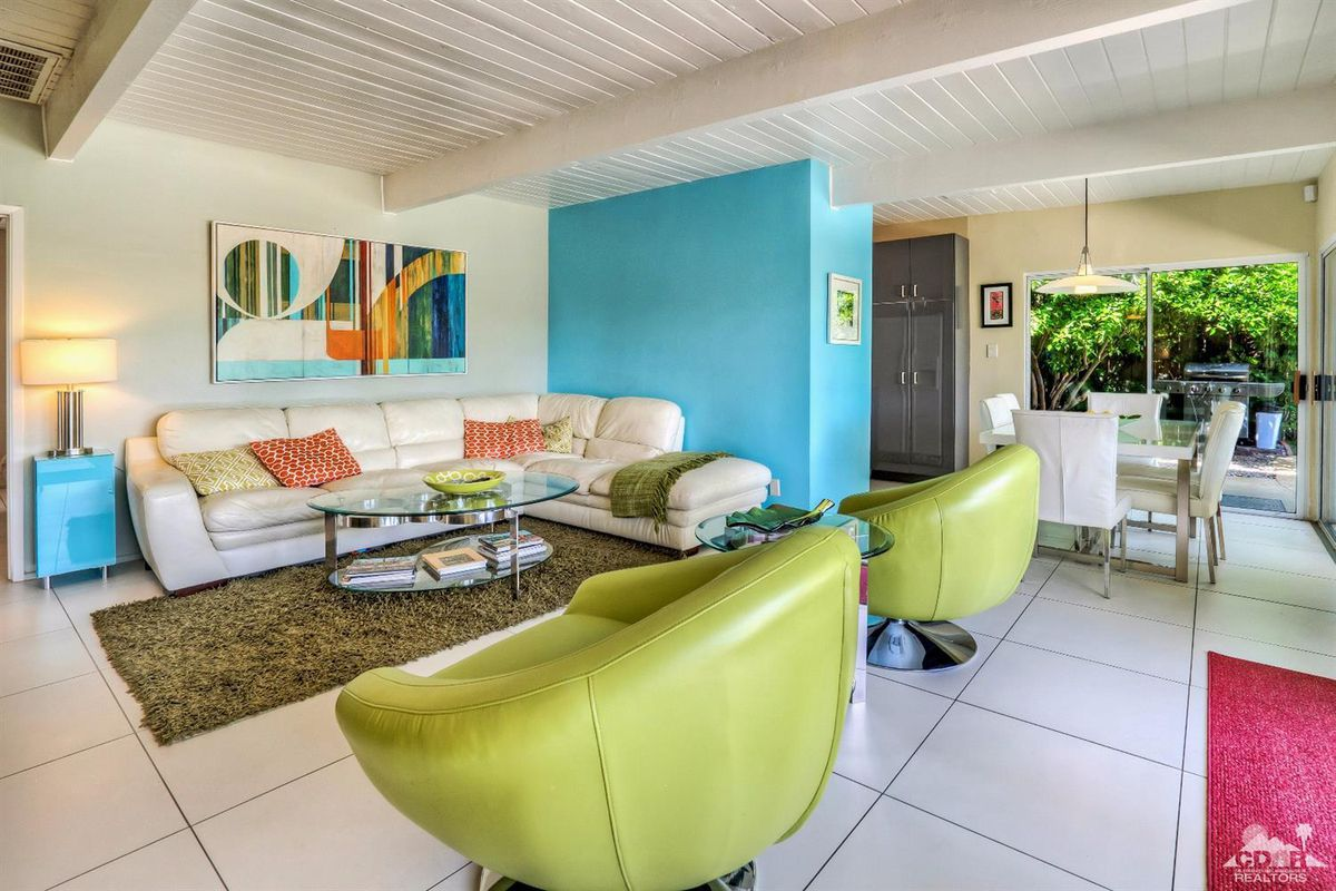 Midcentury Palm Springs pad can be yours for $635K - Curbed