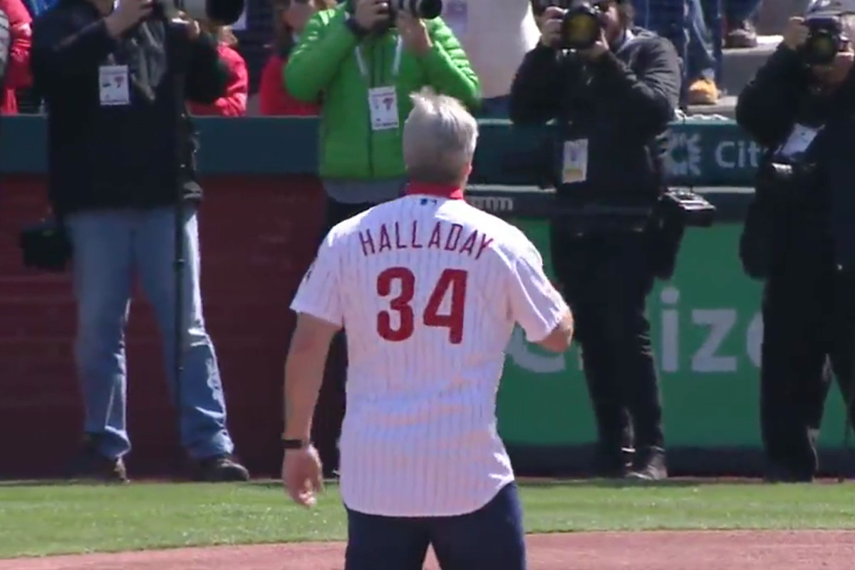 66e4296de9d Doug Pederson threw out the first pitch for the Phillies in a Roy Halladay  jersey