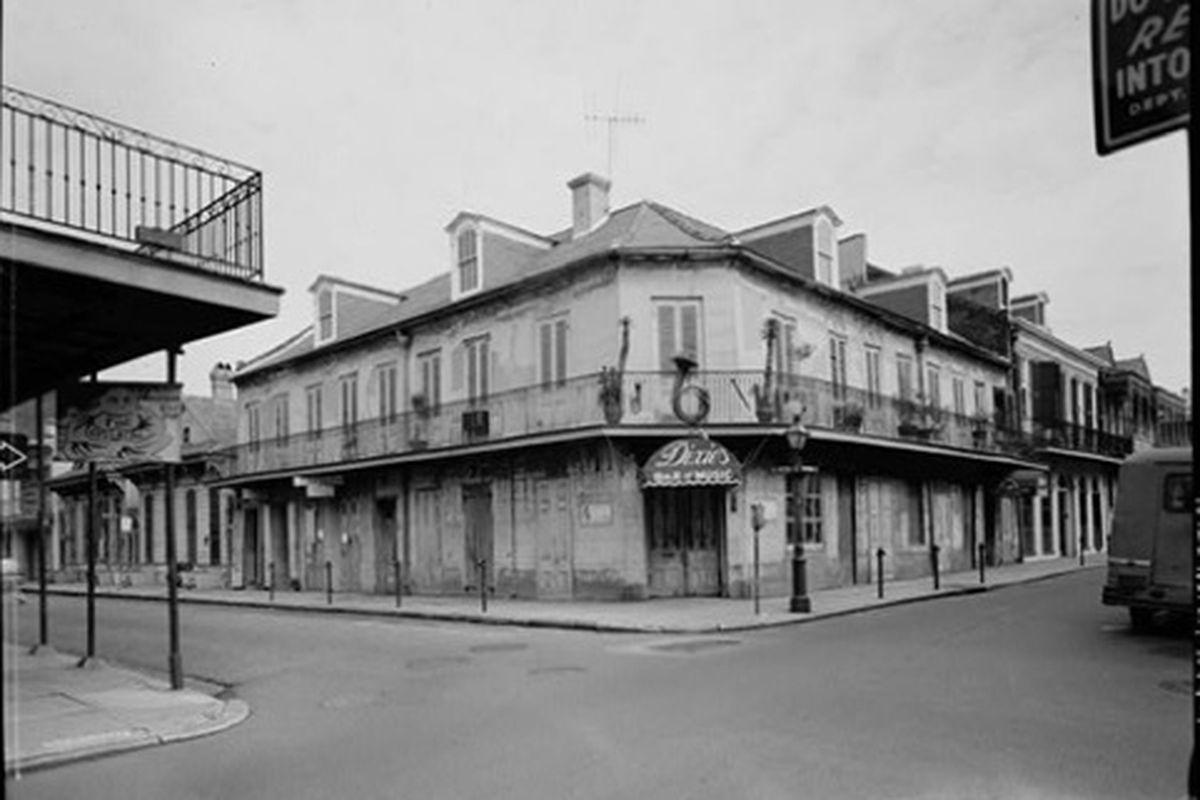Dixie's Bar of Music, Bourbon Street.