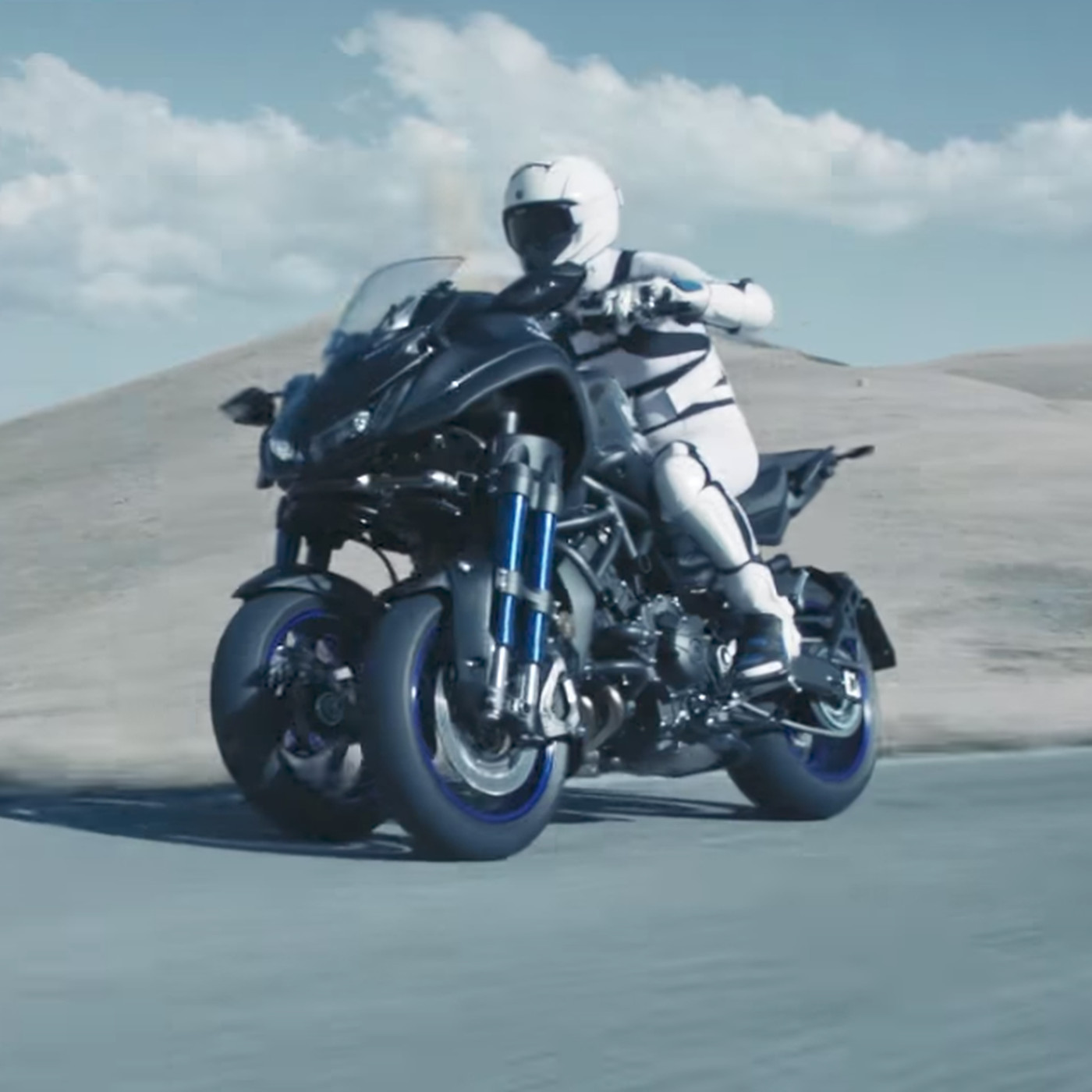 Yamaha's new concept motorcycle would let you slalom into