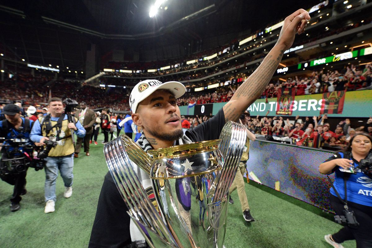 josef martinez gets another trophy deserves a statue dirty south soccer josef martinez gets another trophy