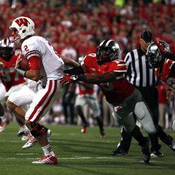 Ryan Shazier pursuing the quarterback.
