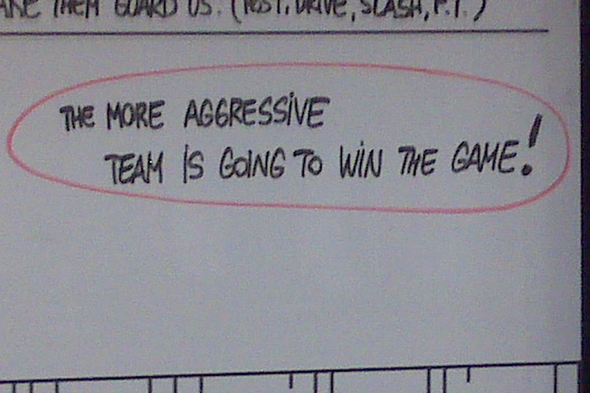 This message was on the white board in the Suns locker room before the game Sunday against the Kings. Note the red circle AND the exclamation point!!