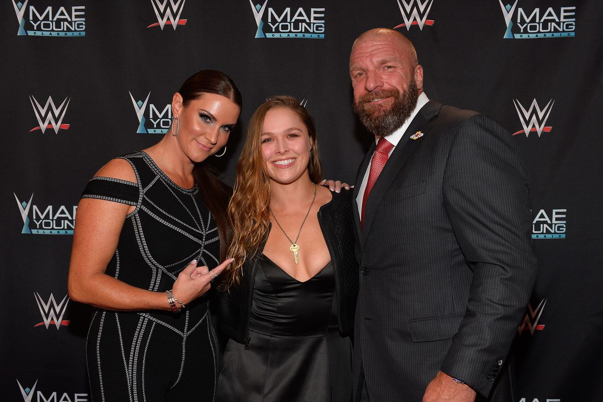 Wrestlemania 34 Live Blog Ronda Rousey And Kurt Angle Vs Triple H