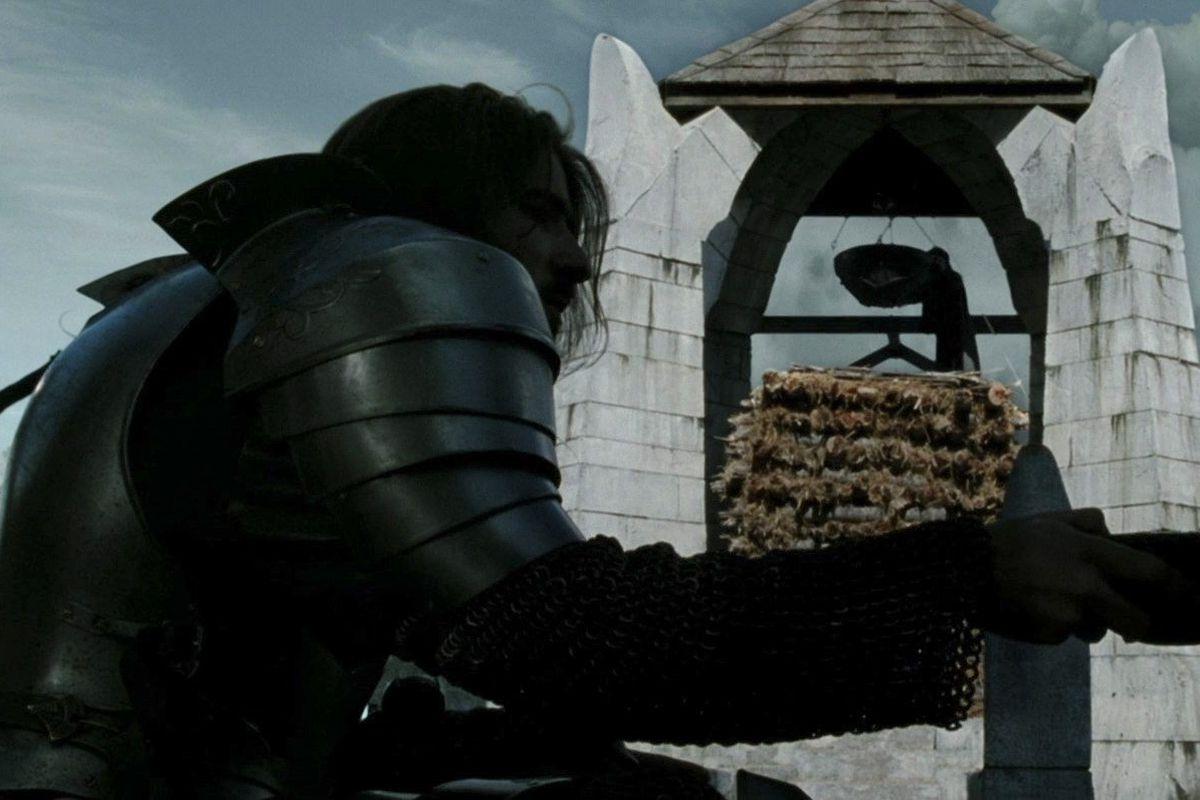 lord of the rings gondorian guard beacon lighting