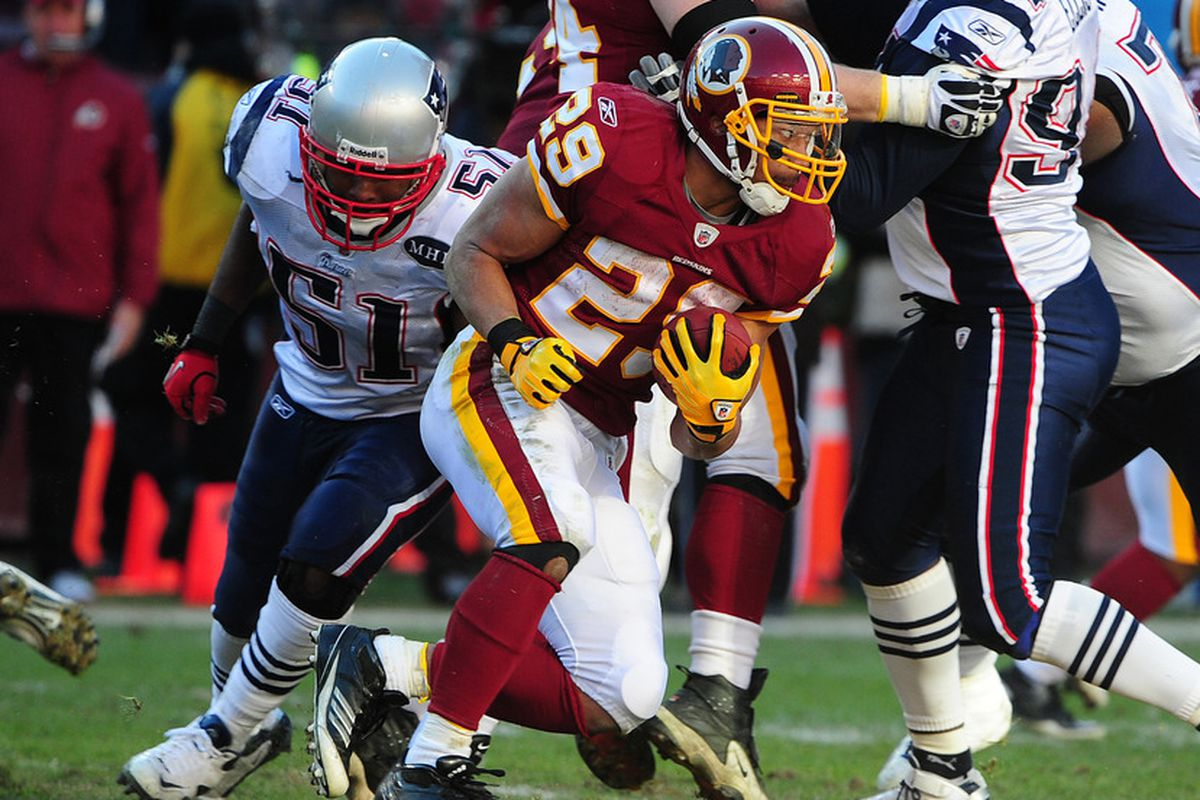 LANDOVER, MD - DECEMBER 11: Roy Helu #29 of the Washington Redskins carries the ball against the New England Patriots at FedEx Field on December 11, 2011 in Landover, Maryland. (Photo by Scott Cunningham/Getty Images)