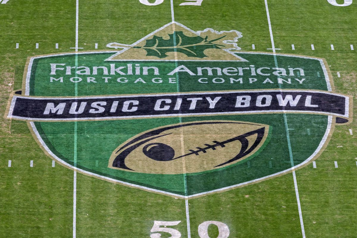 NCAA FOOTBALL: DEC 30 Music City Bowl - Tennessee Vols Football