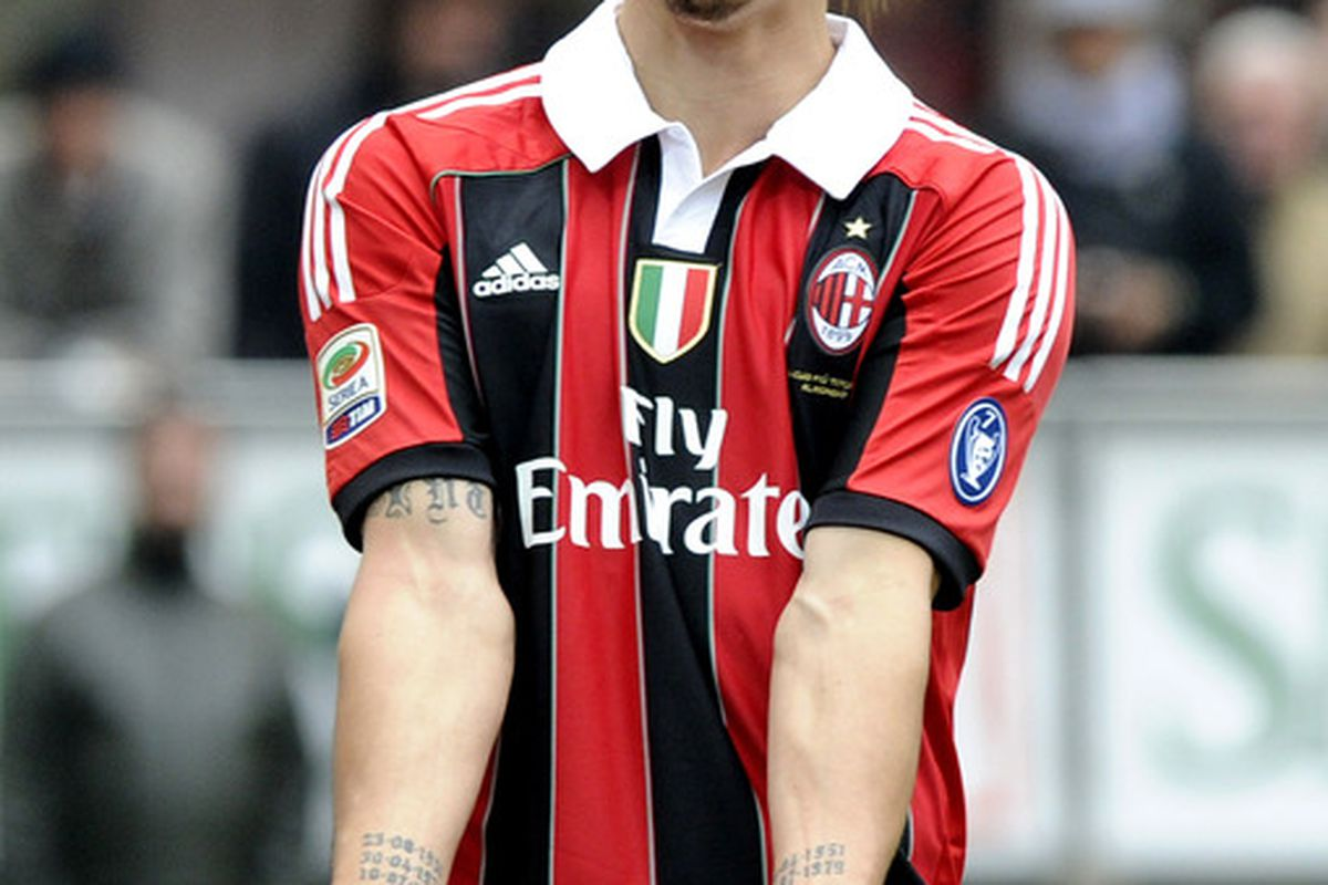 MILAN, ITALY - MAY 13:  Zlatan Ibrahimovic of AC Milan reacts during the Serie A match between AC Milan and Novara Calcio at Stadio Giuseppe Meazza on May 13, 2012 in Milan, Italy.  (Photo by Claudio Villa/Getty Images)
