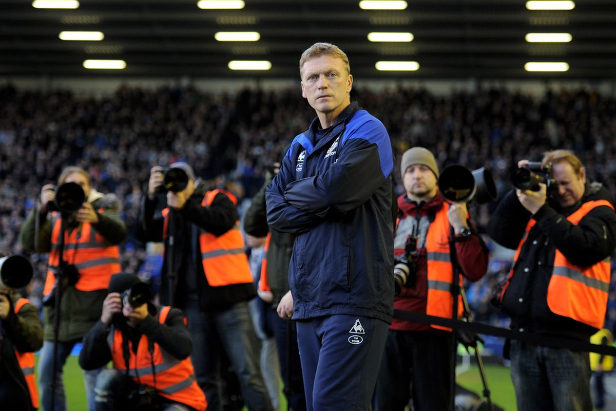 LIVERPOOL, ENGLAND - MARCH 10:  Everton Manager David Moyes looks on prior to the Barclays Premier League match between Everton and Tottenham Hotspur at Goodison Park on March 10, 2012 in Liverpool, England. (Photo by Michael Regan/Getty Images)