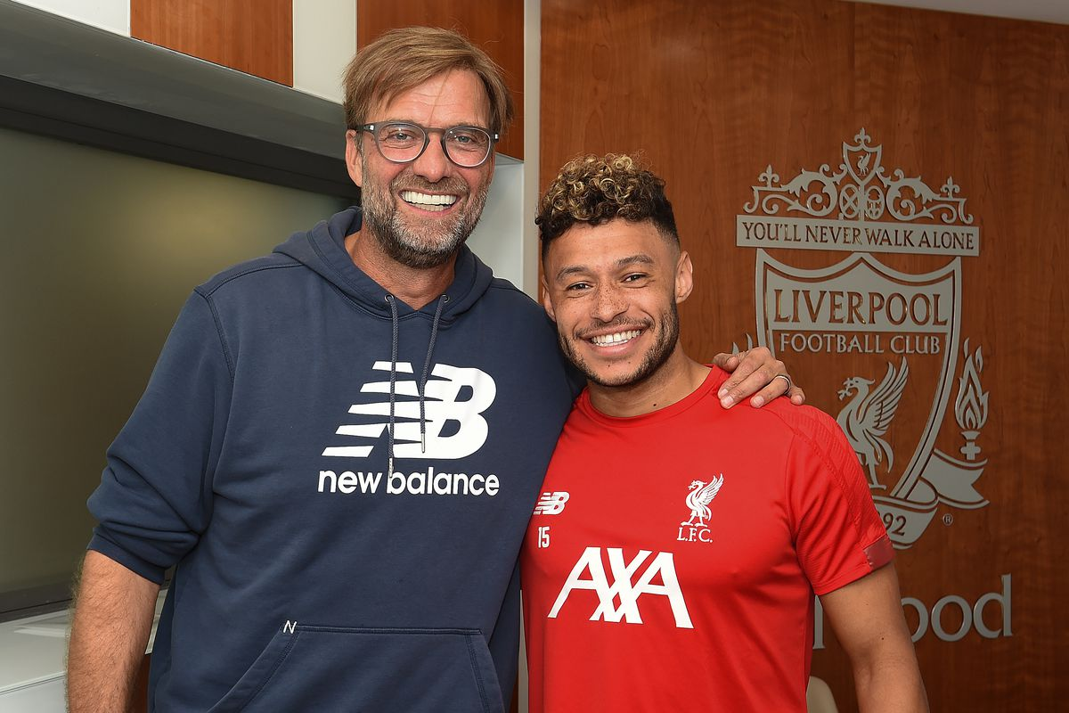 Alex Oxlade-Chamberlain Signs New Contract At Liverpool
