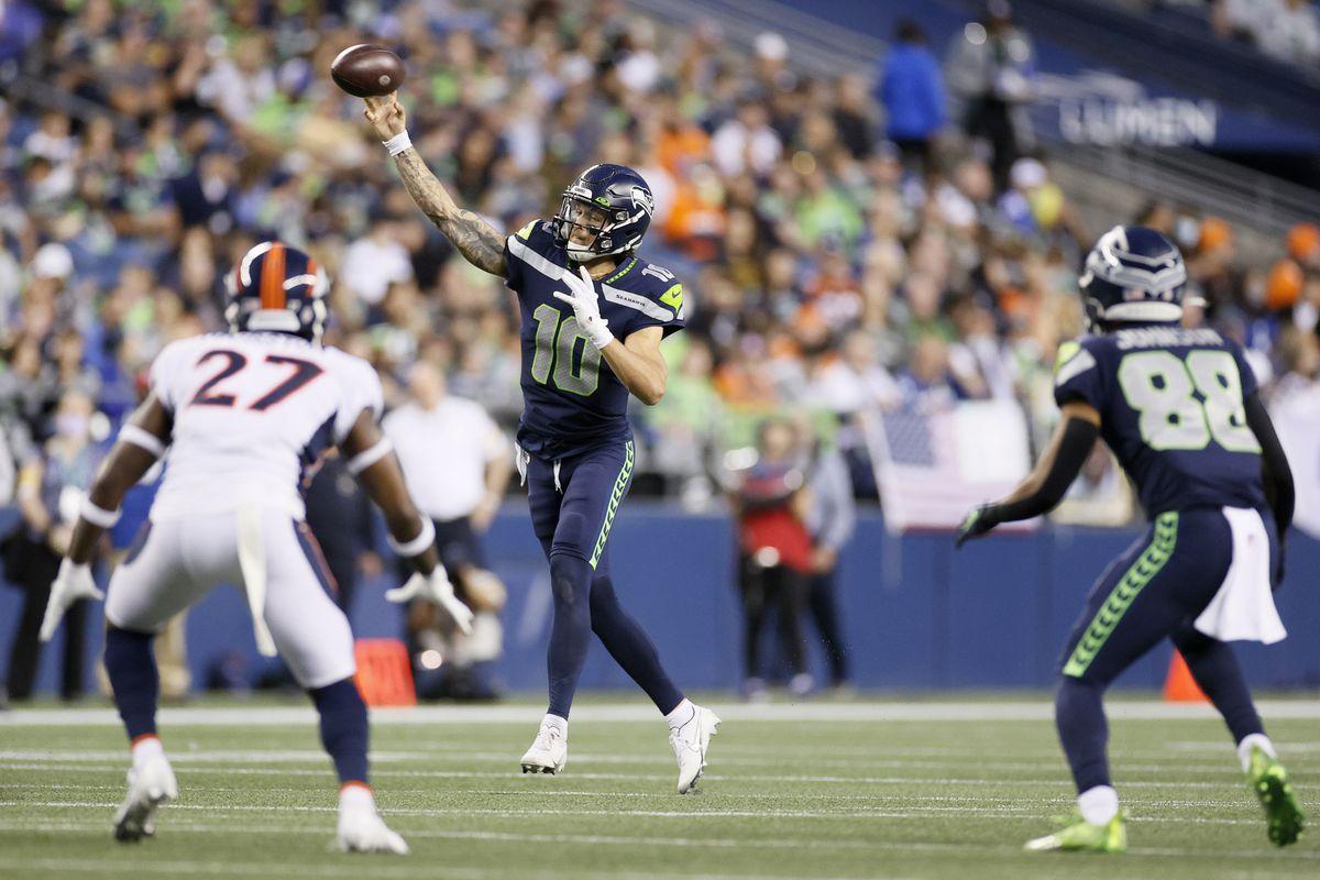 Denver Broncos v Seattle Seahawks