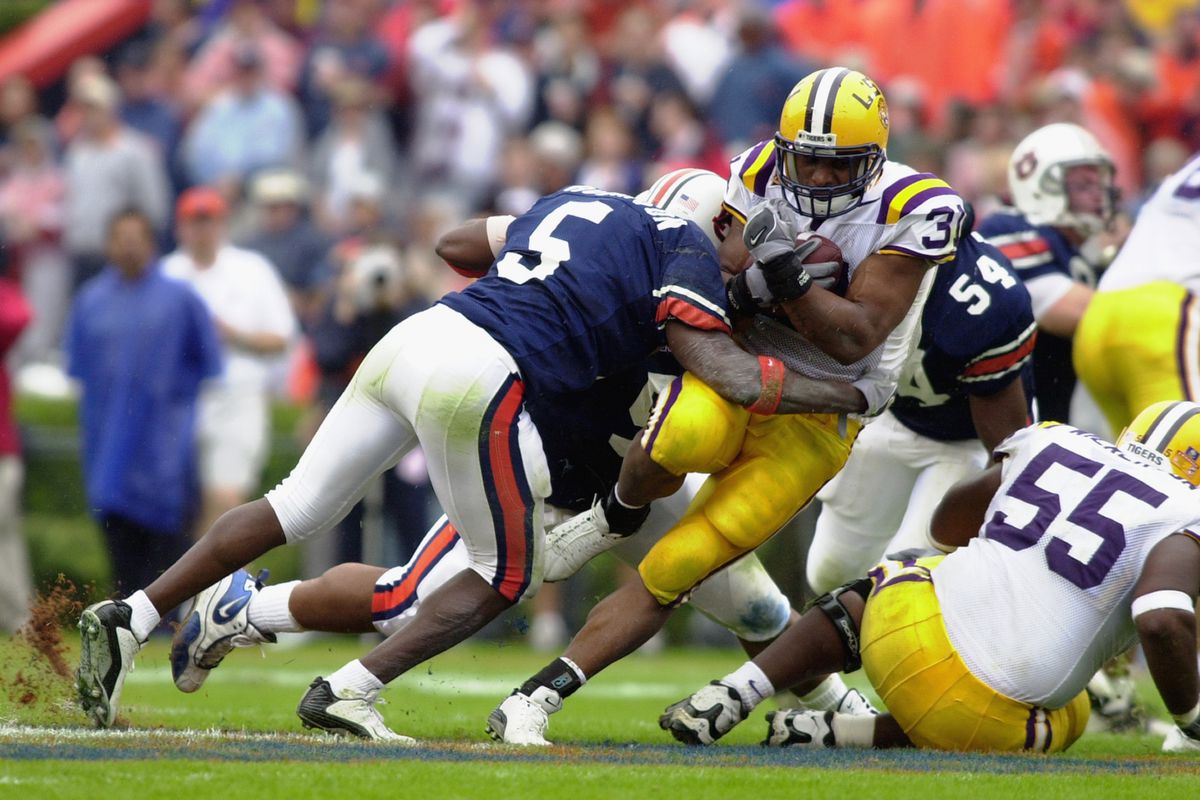 A picture from his playing days. Travaris Robinson is once again doing work on the Plains.