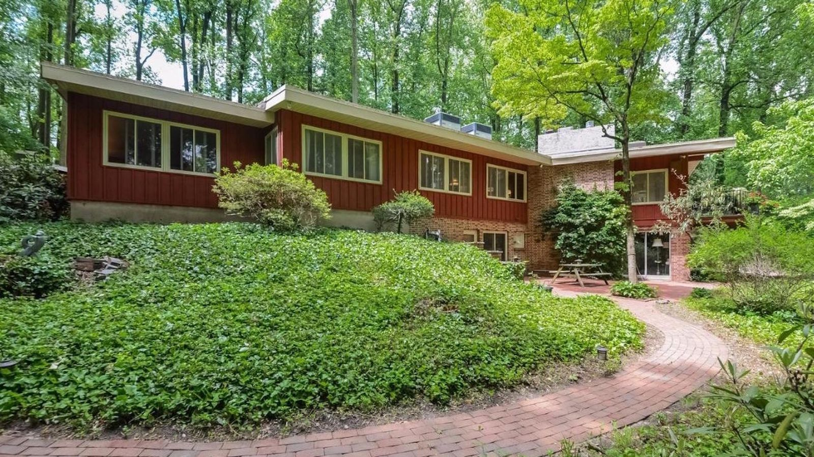 5 frank lloyd wright inspired homes for sale around philly - Frank lloyd wright homes for sale ...