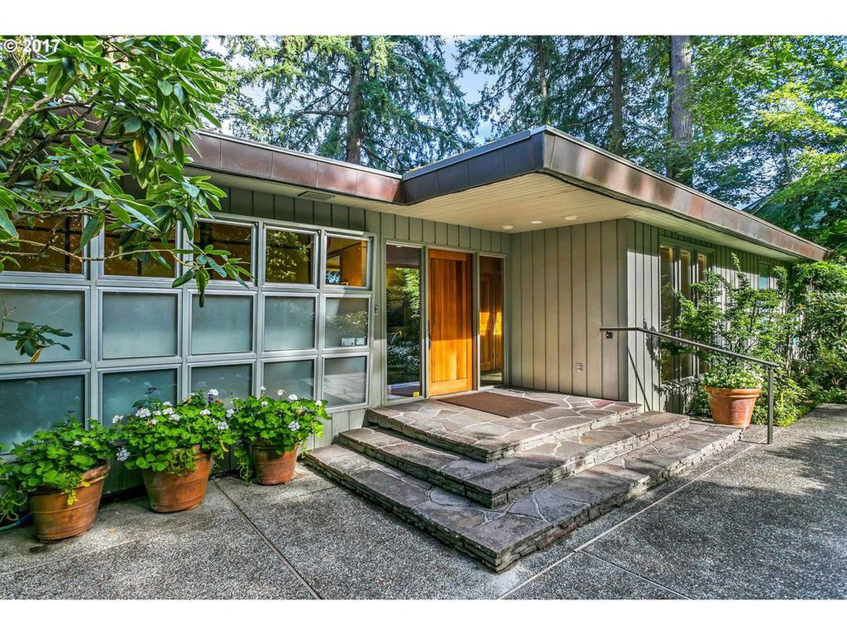 Gorgeous midcentury home surrounded by Japanese gardens ...