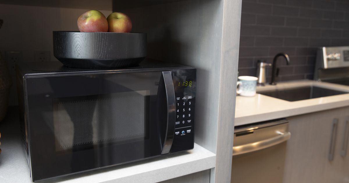amazons smart microwave is how itll get alexa into every home vox - Kitchen Appliance