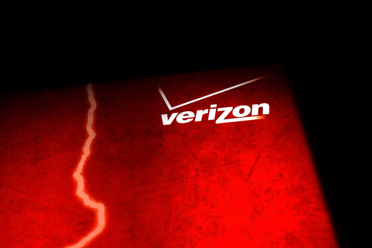 Verizon just bought Engadget and TechCrunch — can they stay