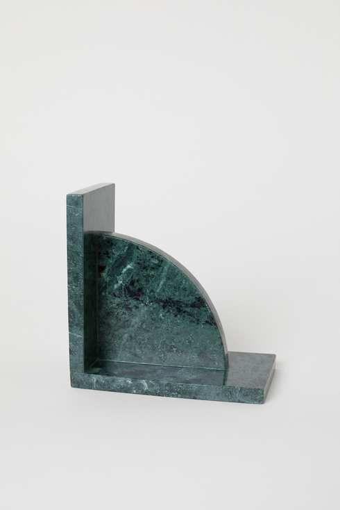 Blue-greenish marble slab in a L-shape.