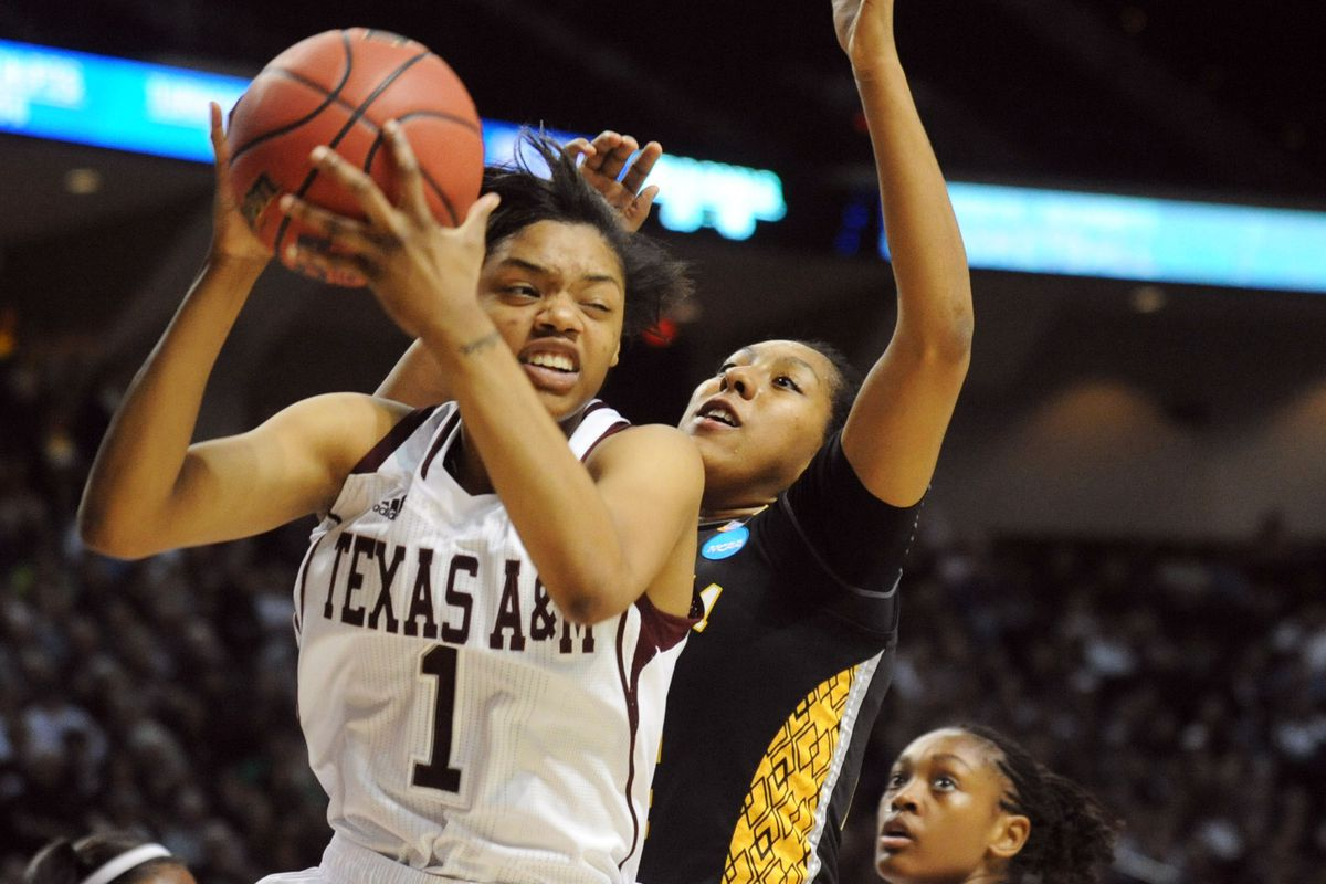 Courtney William had 7 rebounds and 6 points in her return to the Aggies