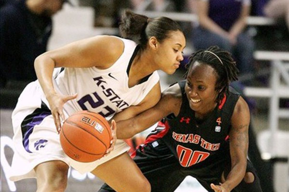 Ashia Woods tallied 15; 16 would've made the difference.