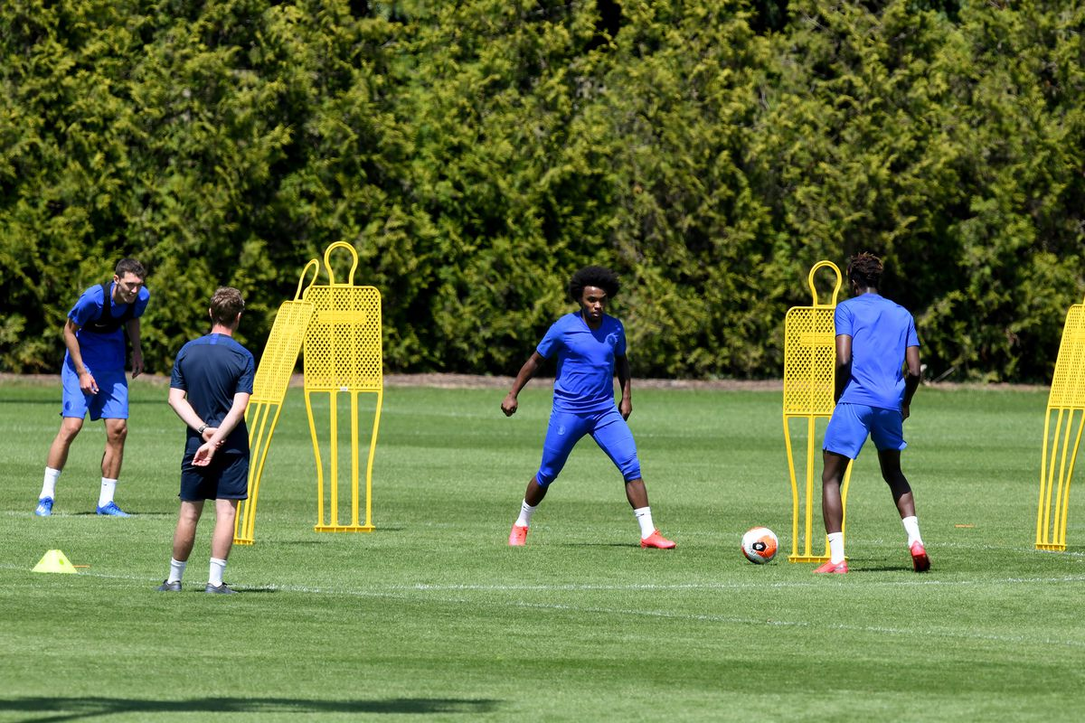 Chelsea Continue Small Group Training Following Covid-19 Restrictions Being Relaxed