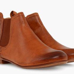 """Frye 'Jillian' Chelsea boots, <a href=""""http://www.thefryecompany.com/jillian-chelsea/d/74393"""">$238</a>"""