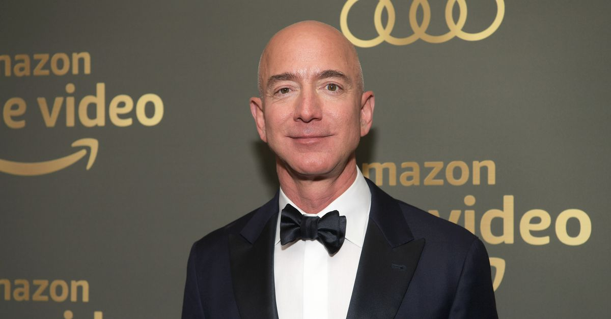 Jeff Bezos Medium post: Bezos says National Enquirer threatened to release nude pictures