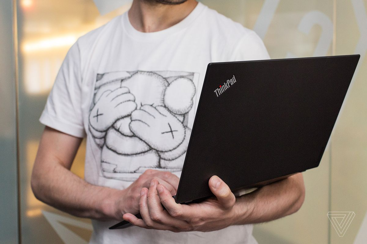 Lenovo Thinkpad X1 Carbon Review Doing It Right The Verge Flexus Gesture Control Sleeve Adds A Couple Of Hard Mouse Buttons Above Laptops Trackpad Which I Often Use In Combination With Itself Is Reliable And