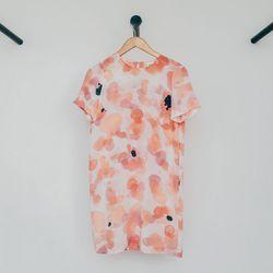 "Rachel Rose Shift Dress, <a href=""http://shop.thistleclover.com/collections/dresses/products/rachel-rose-shift-dress"">$184</a>"