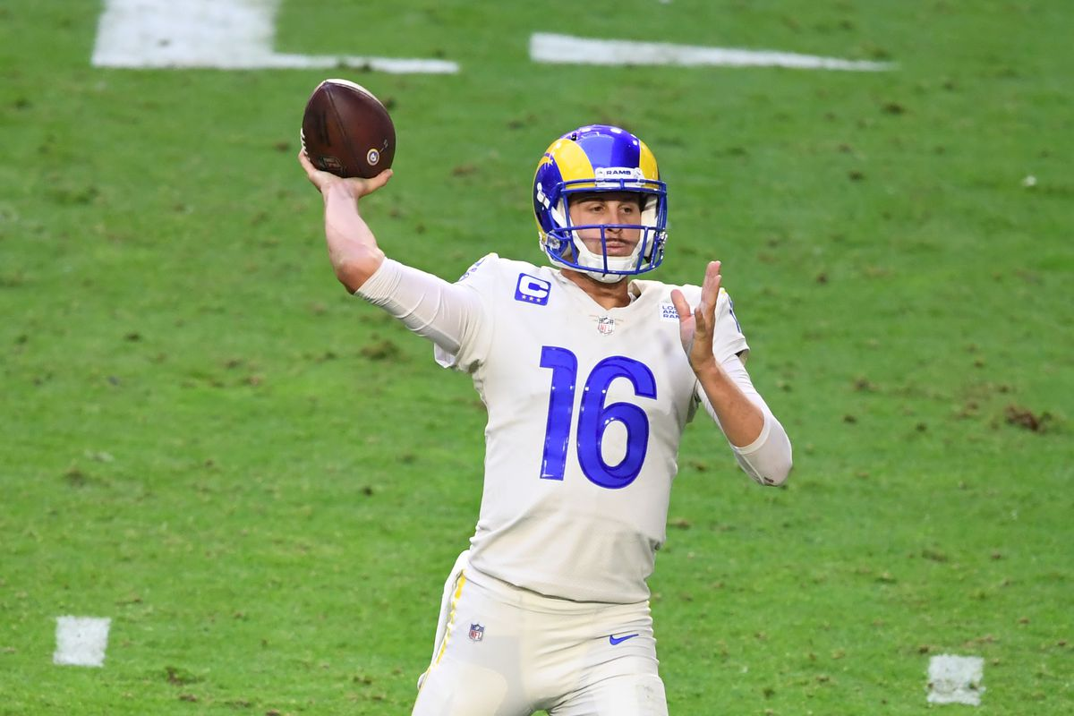 Jared Goff of the Los Angeles Rams throws the ball against the Arizona Cardinals at State Farm Stadium on December 06, 2020 in Glendale, Arizona.