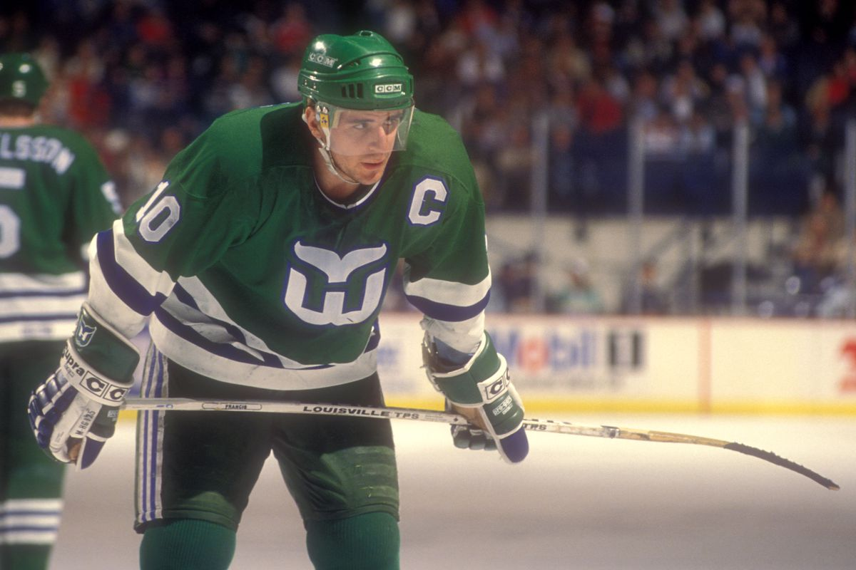 Ron Francis during a Whalers game against Washington in 1990. Getty Images 51a45ca67