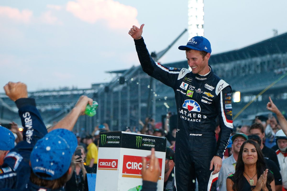 Kasey Kahne to end 6-year run with Hendrick after 2017 season