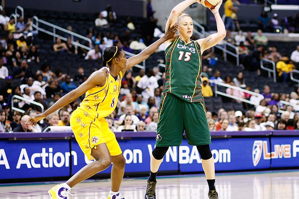 The Seattle Storm will face the New York Liberty without Lauren Jackson who suffered a concussion after catching an elbow from Los Angeles Sparks forward DeLisha Milton-Jones on Saturday night.