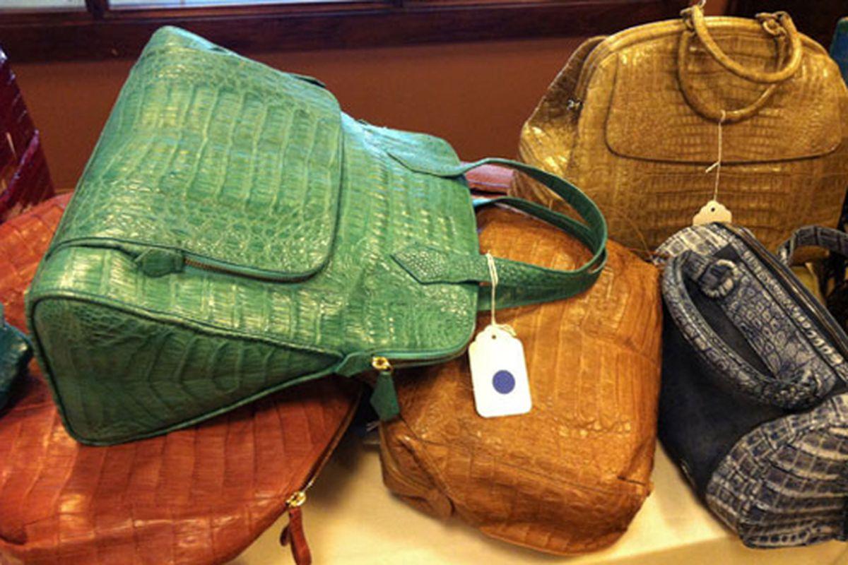 "Image via <a href=""http://www.mizhattan.com/2011/05/sample-sale-insanity-for-exotics-at.html#more"">Mizhattan</a>"