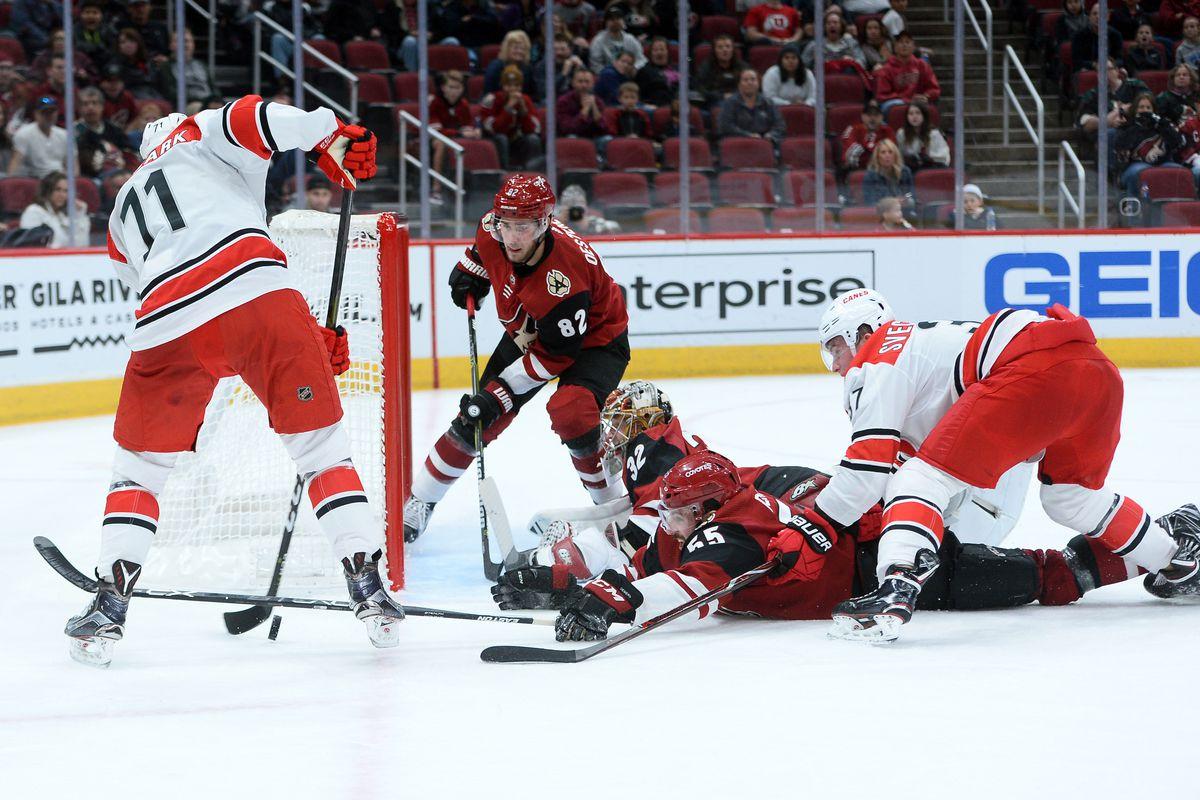 NHL: Carolina Hurricanes at Arizona Coyotes