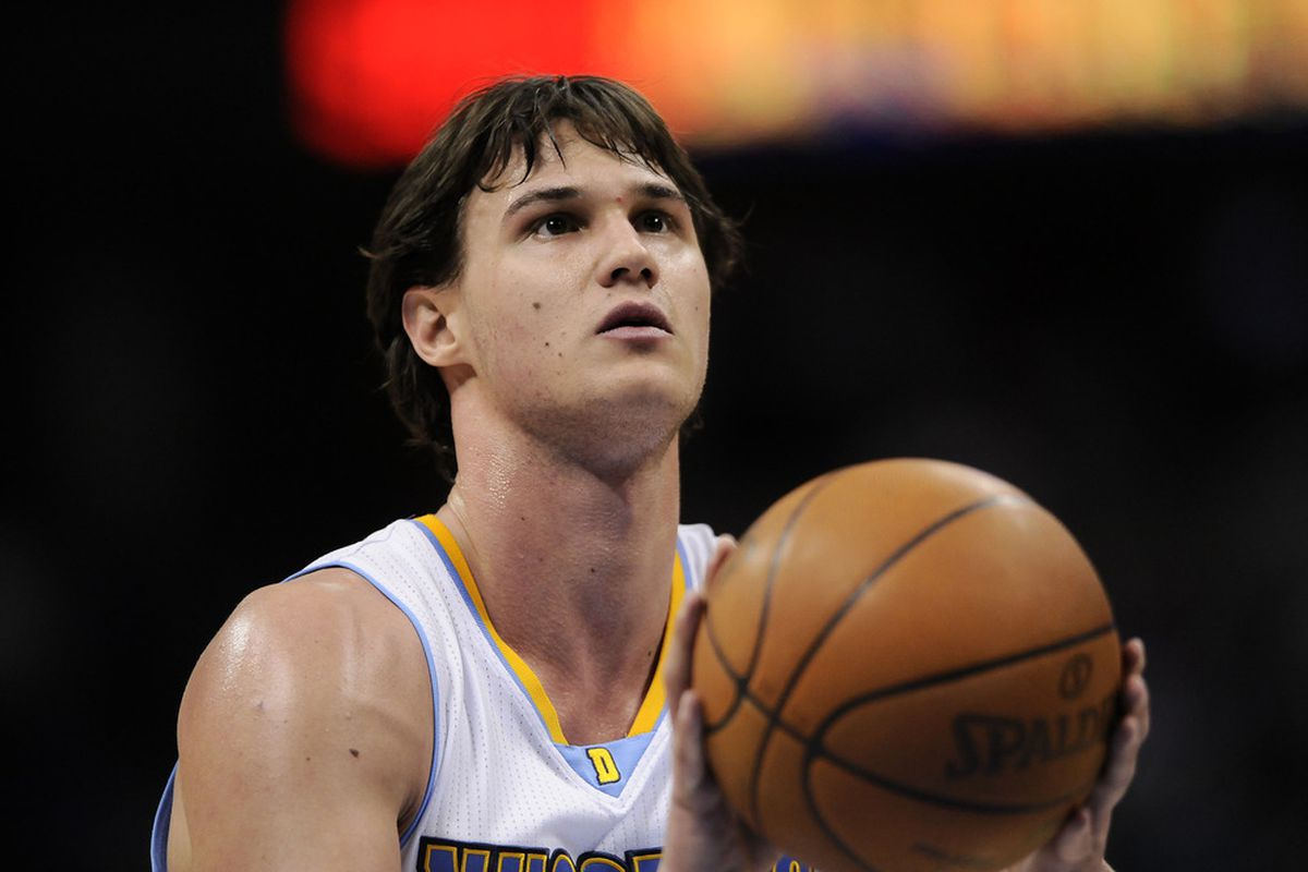 Gallo is back ... with a mop top!