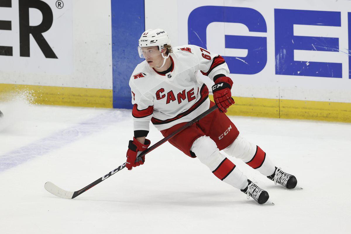 NHL: JUN 03 Stanley Cup Playoffs Second Round - Hurricanes at Lightning
