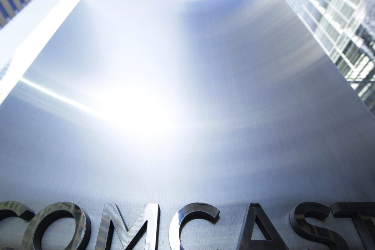 Comcast offer for Fox expected after favorable AT&T ruling