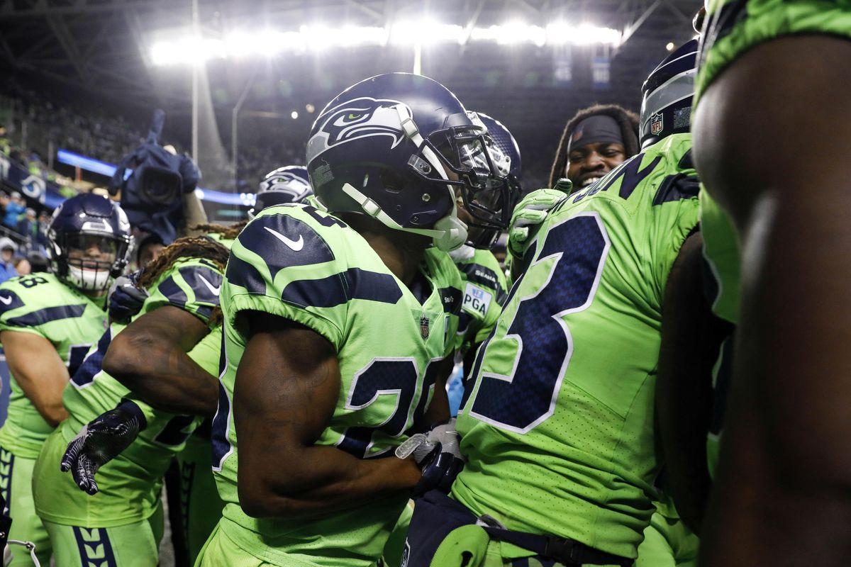 buy popular 1d2e3 72a79 NFL Week 15 Power Rankings: Seahawks are flying high in ...