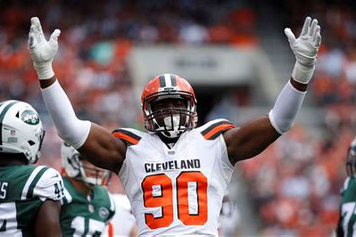 Should the Browns still try to trade Emmanuel Ogbah?