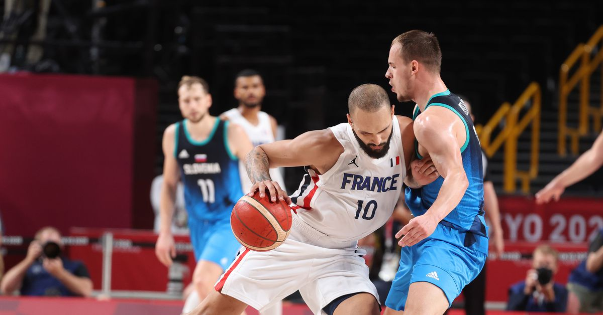 Olympics Update: New Knick Evan Fournier drops 23 as France wins semifinal thriller - Posting and Toasting