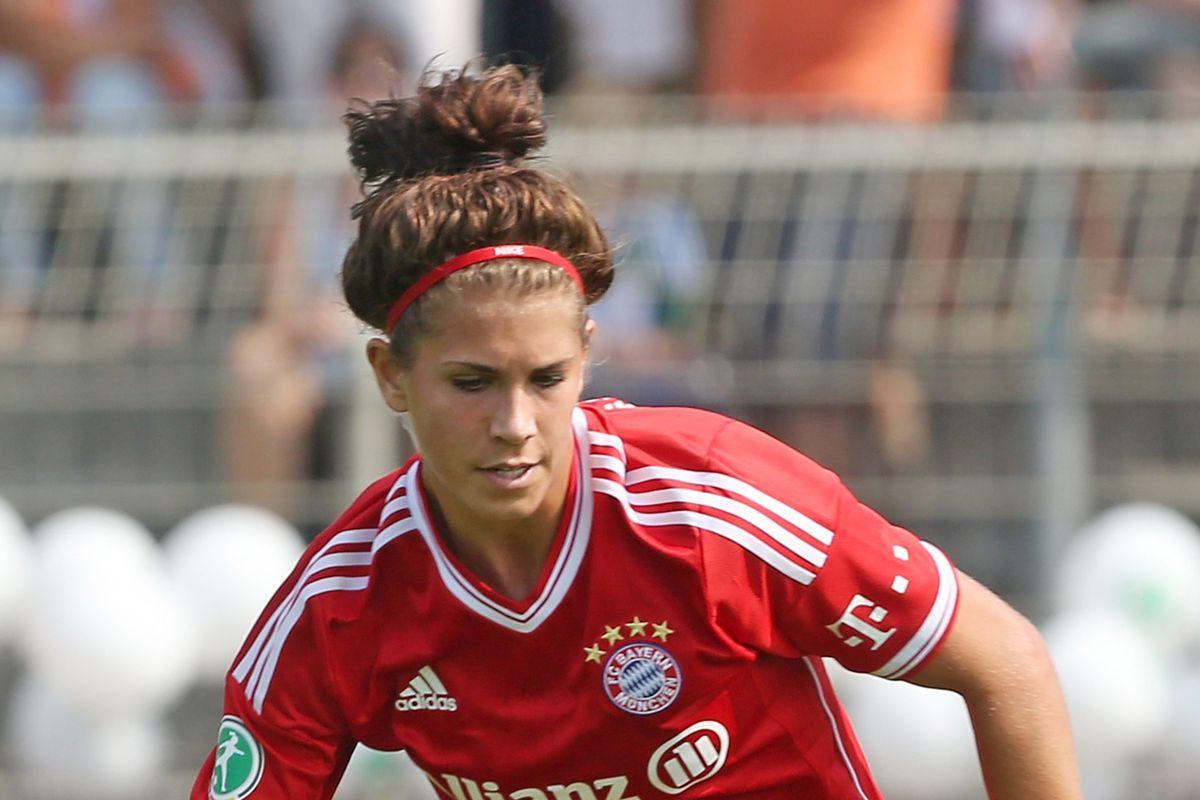 Blues sign talented goal scorer Sarah Hagen from FC Bayern Munich
