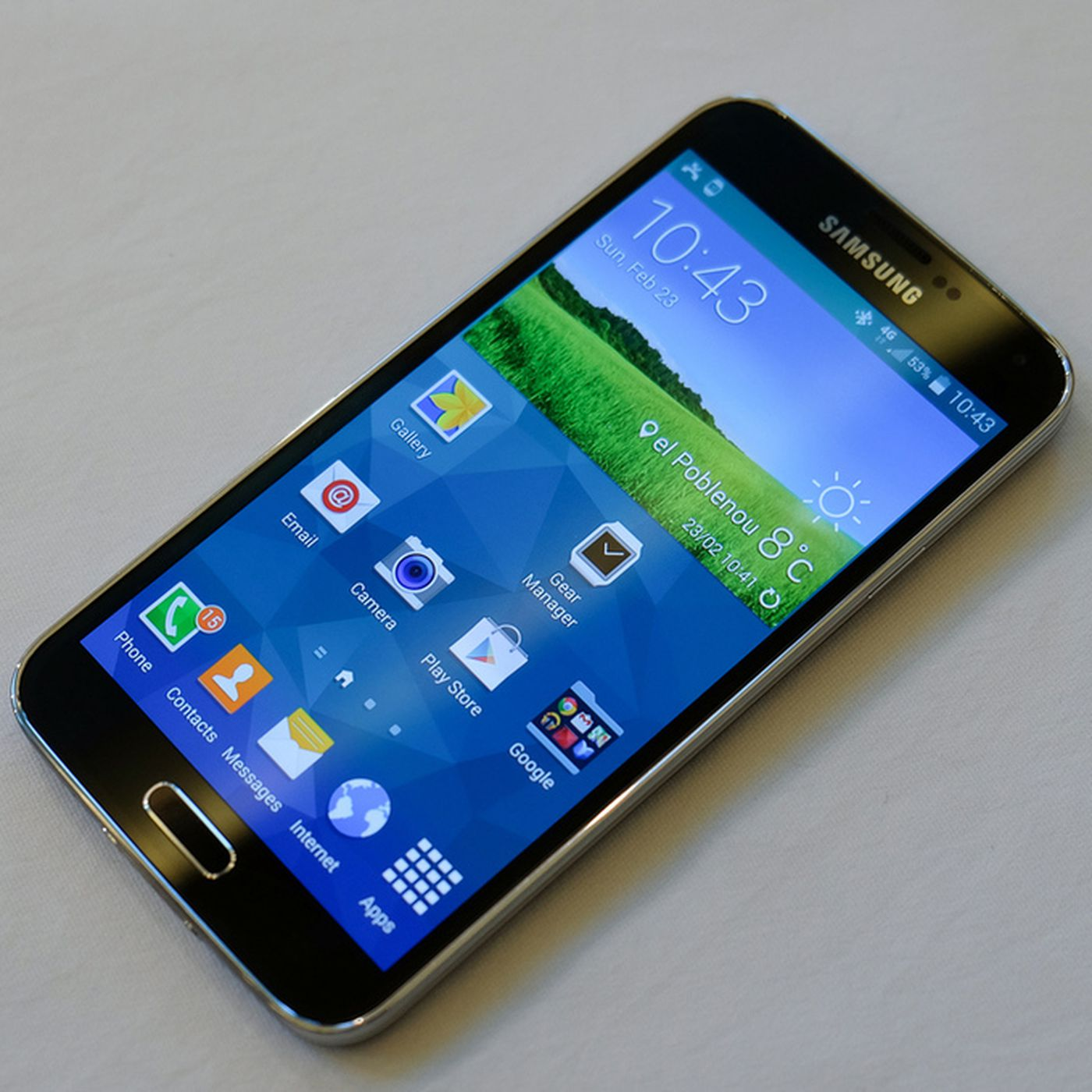 Samsung's Galaxy S5 takes on the top smartphones around - The Verge