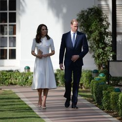 The second day of the tour took the Duke and Duchess to India Gate Memorial and the Gandhi Smriti museum to pay respects to Mahatma Gandhi.