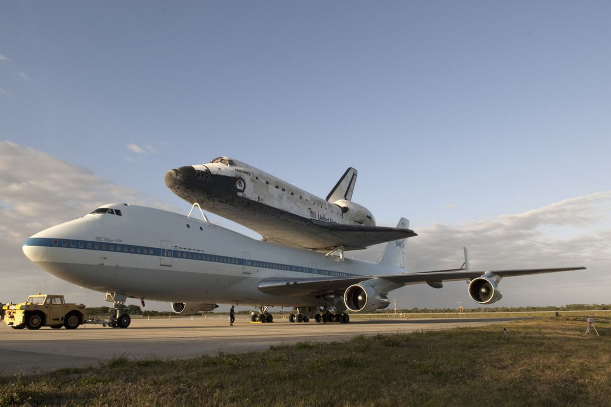 NASA Discovery 747