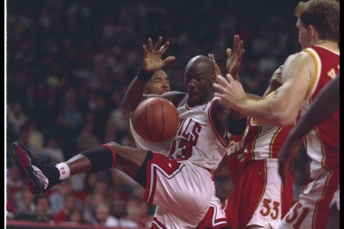 22857e8b6af2 1993 Playoffs Retrospective Part I  Where Chicago Bulls Reassert Their  Dominance